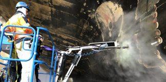 Nacelles Genie Terex AWP nettoyage haute pression grande hauteur chantiers navals