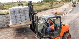 Ausa Chariot tout-terrain manutention innovation réduction émission consommation
