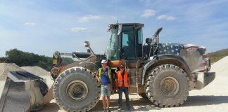 La chargeuse CASE 1021G fait le bonheur d'une carrière de calcaire