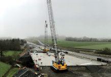 Pelles à câbles Sennebogen ouvrage routier 2x2 voies