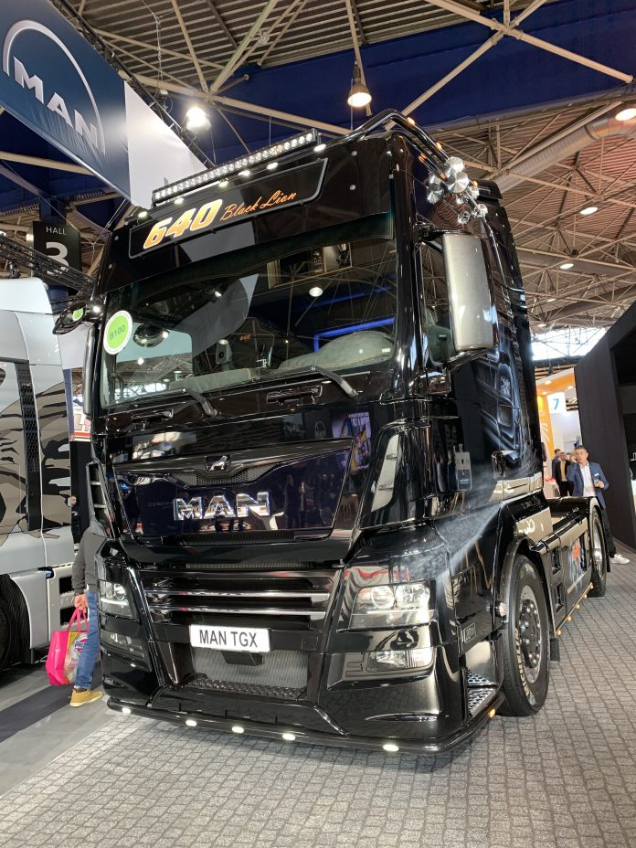 Man Tracteur camion transport Solutrans