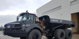 TA Volvo Noir Wiame peint chez RB